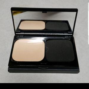 Smashbox Self-Adjusting powder Foundation